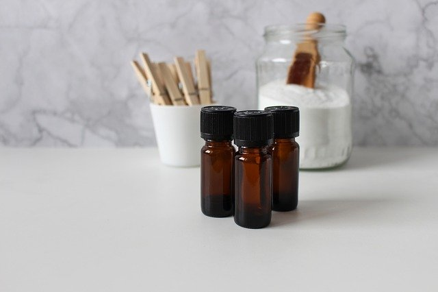 baking soda and essential oils to freshen carpet
